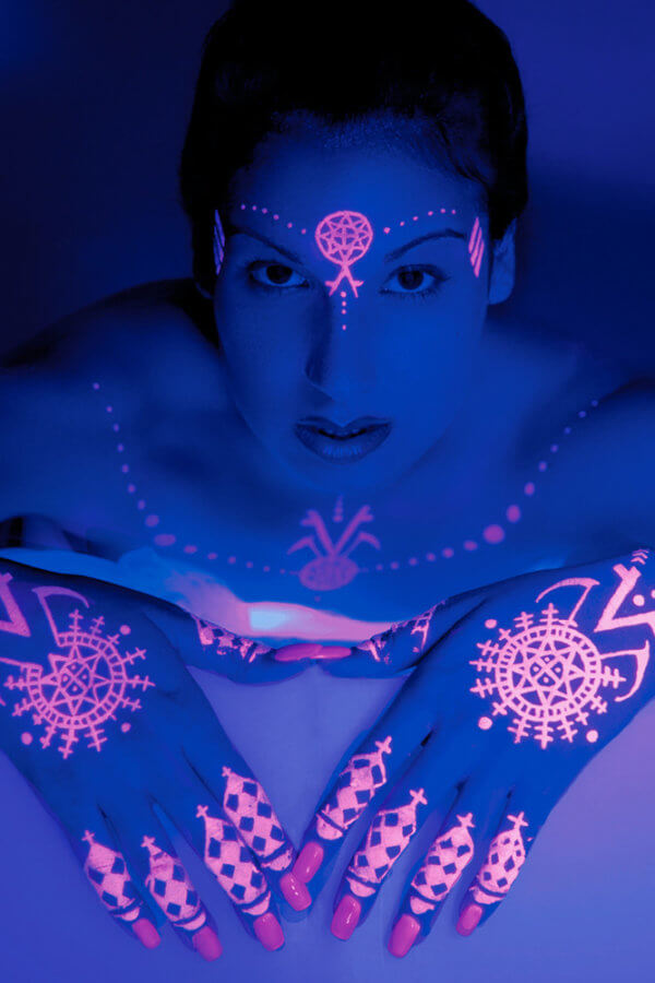 1-visuel-blacklight